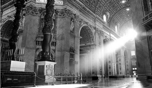 Lichtstraal in kerk - Cc MarcelGermain - Flickr