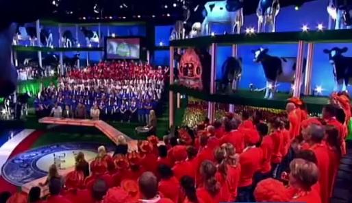 Publiek uit 'Ik hou van Holland' - screenshot Ik hou van Holland
