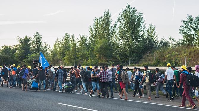RefugeemarchHungary-Wikimedia