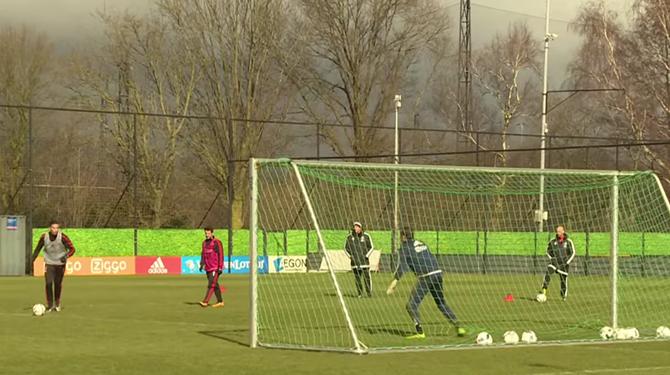 Bron: Youtube cc AFC Ajax
