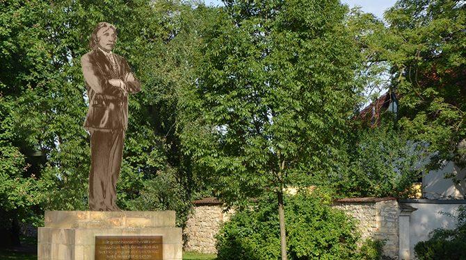 Standbeelden met grote lullen