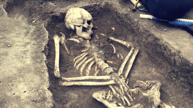 Vondst Van Botten Wijst Uit: Eerste Mensen Leefden