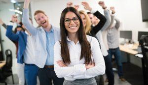 Cupmaten raden tijdens teamuitje groot succes: Mira weet eindelijk haar maat